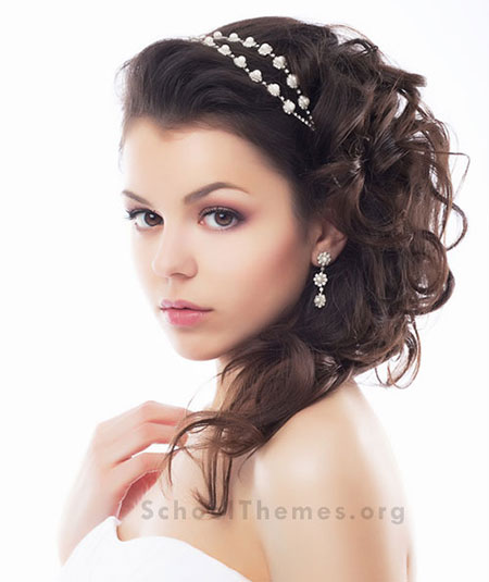 Homecoming Hairstyles designed to match the right dress, jewelry and shoes. 3